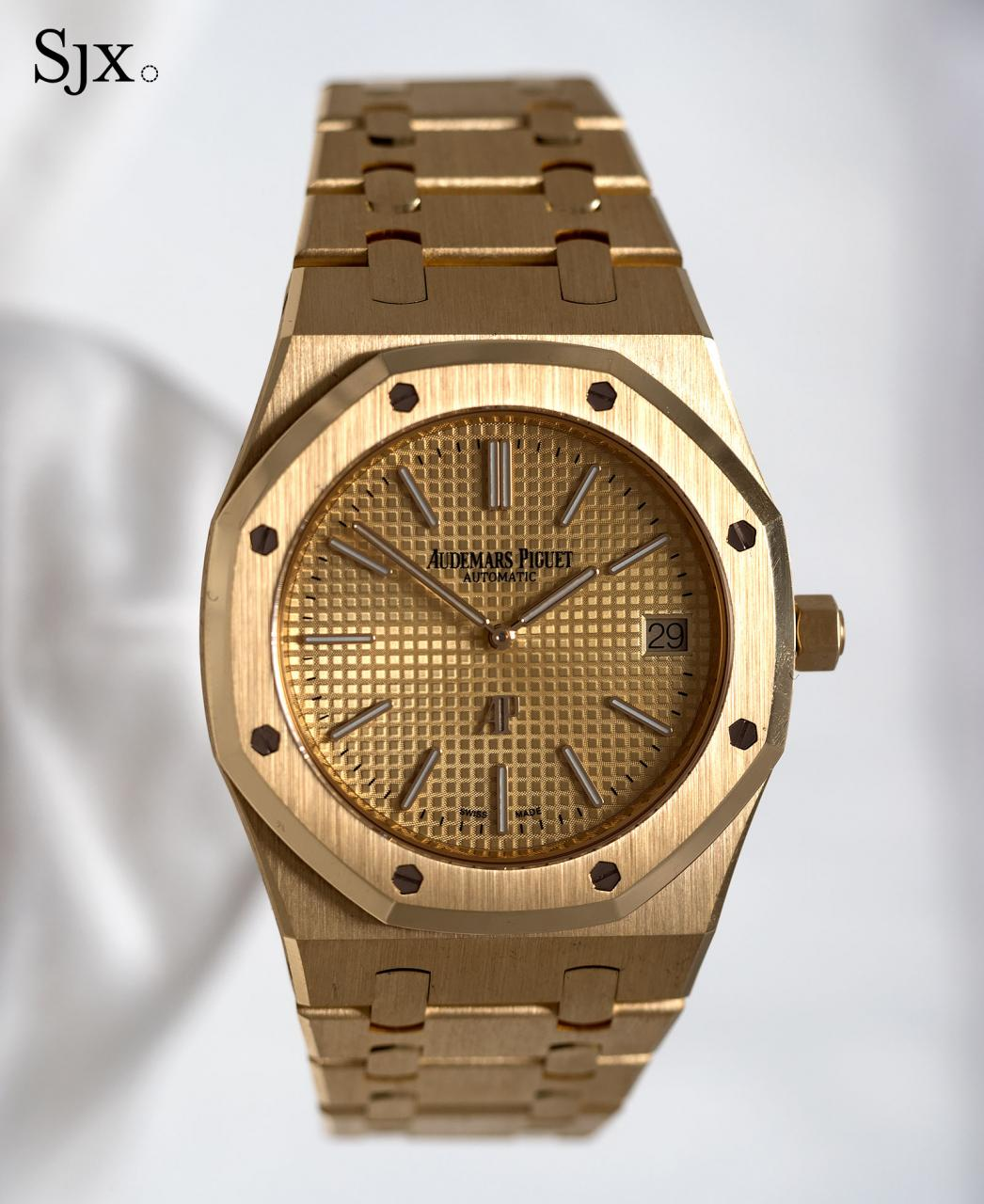 AP Royal Oak Extra Thin yellow gold 1
